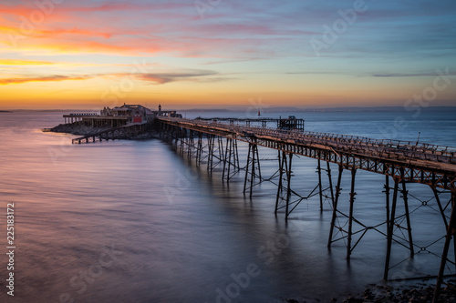 Fotografie, Obraz  The long-derelict Birnbeck Pier stretches out to the Bristol Channel at Weston-s