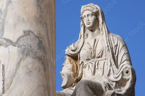 Fotografie, Obraz  Estatua romana de la diosa Ceres