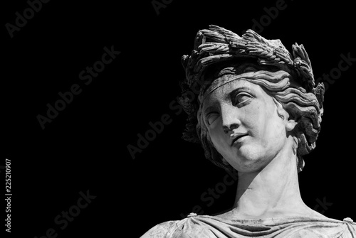 Foto  Ancient Roman or Greek neoclassical statue in Rome (Black adn White with copy sp