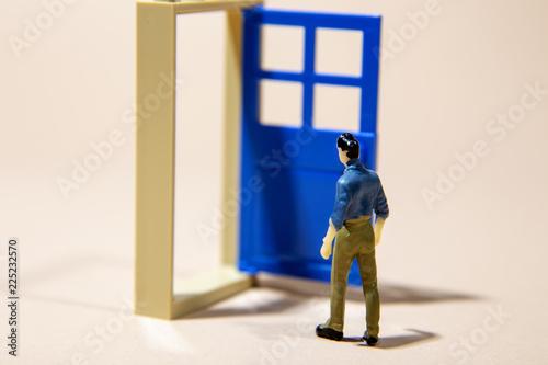 Poster Havana man standing in front of door into future