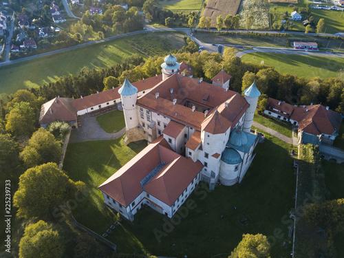 The 14th century castle in Nowy Wisnicz - fototapety na wymiar