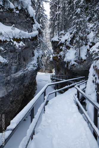Spoed Foto op Canvas Canada Winter in Johnston Canyon in Banff National Park, Alberta, Canada