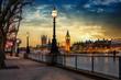 canvas print picture - Blick über die Themse auf den Big Ben Turm und den Westminster Palast in London bei Sonnenuntergang. Großbritannien