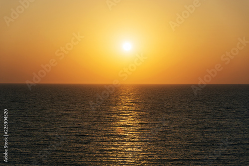Fotobehang Zee zonsondergang sunset on the sea