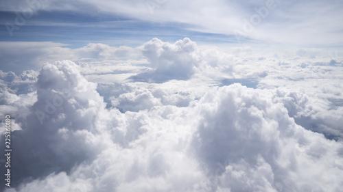 Foto  Wolkengebilde -turm von oben Flugzeugaussicht