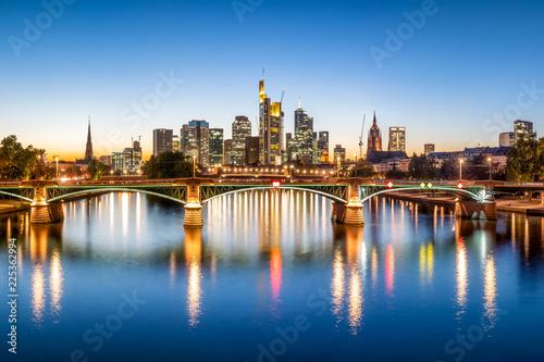 Obraz Frankfurt wieczorową porą, Niemcy - fototapety do salonu