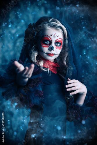 Spoed Fotobehang Halloween portrait of girl at halloween