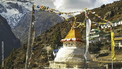 Canvas Print Giant Buddhist Stupa Statue in Namche Bazaar Village, Khumbu region of Nepal Him