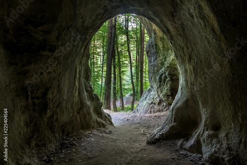 Obraz na plátně  Cave in the Ostreznik nature reserve in Jura Krakowsko-Czestochowska, Silesia, P