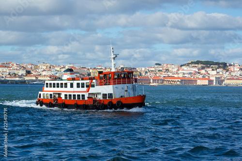 Keuken foto achterwand Centraal Europa Bateau Baie du Tage Lisbonne