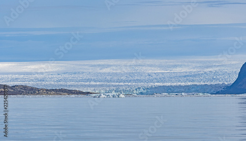 Spoed Foto op Canvas Arctica The Greenland Icefield Viewed from the Coast