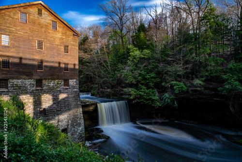 Valokuvatapetti Lanterman's Falls / Lanterman's Mill - Mill Creek Park - Youngstown, Ohio