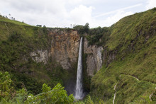 Sipiso Piso Waterfall In North...