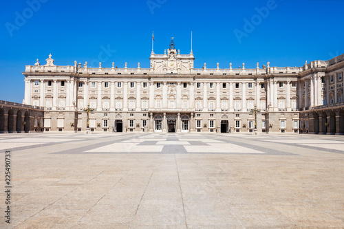 Photo  The Royal Palace of Madrid in Madrid city, Spain