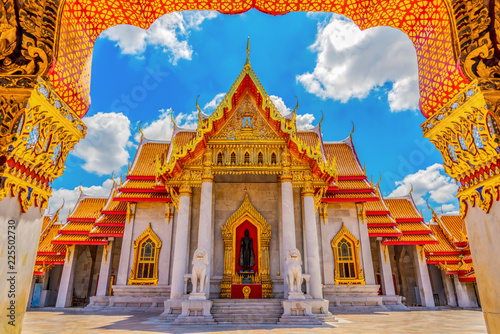 Deurstickers Bedehuis Marble Temple of Thailand,Wat Benchamabophit