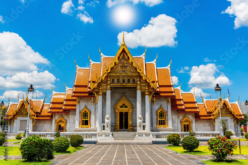 Tuinposter Bedehuis The Marble Temple, Wat Benchamabopit Dusitvanaram in Bangkok,