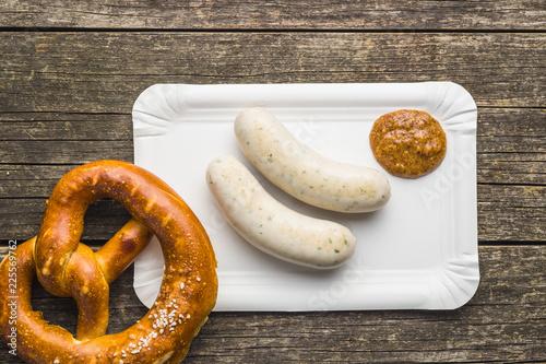 Photographie The bavarian weisswurst, pretzel and mustard.