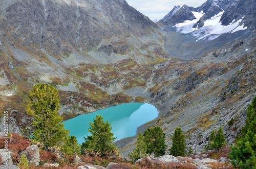 Photo Россия, Республика Алтай, горное озеро Куйгук с высокой точки