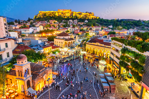 Photo sur Toile Athenes Athens, Greece - Monastiraki Square and Acropolis