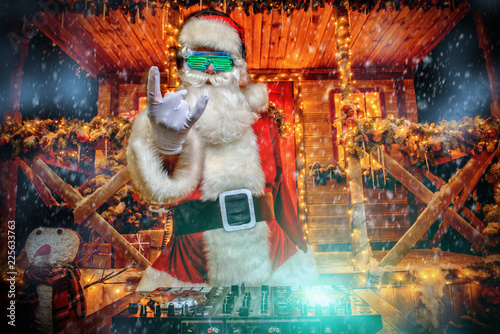 dj playing at christmas