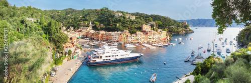 Photo sur Aluminium Ligurie Panorama of Luxury harbour of Portofino, Liguria, Italy