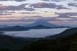 箱根大観山から芦ノ湖の雲海に浮かぶ朝焼けの富士山