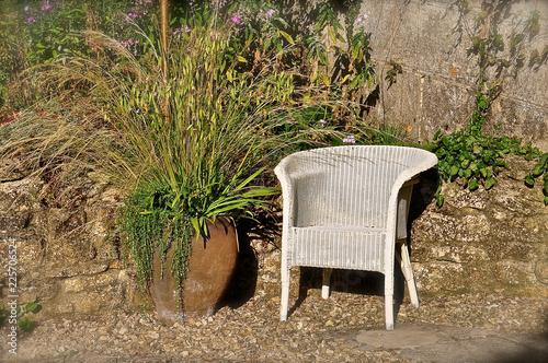 Photo  White Lloyd Loom chair
