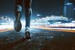 canvas print picture - Jogging in nächtlicher Stadt