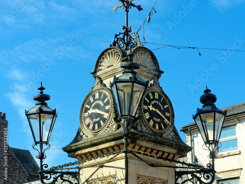 Foto A clock tower in Willenhall, UK