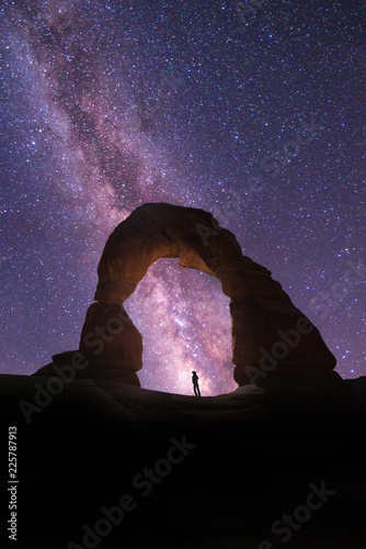 Vászonkép Delicate Arch with the Milky Way in the Background in Arches National Park