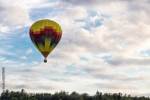 Fényképezés  Hot Air Balloon Over the Sky