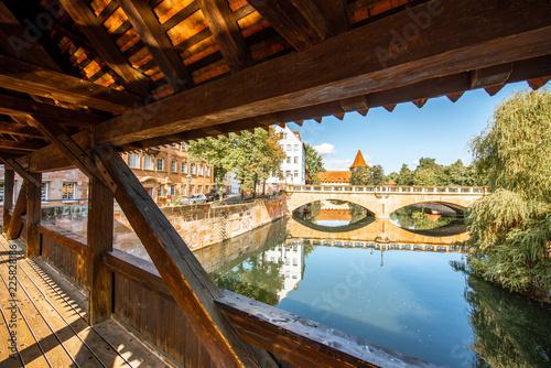 Foto op Plexiglas Europese Plekken Ancient wooden bridge in Nurnberg, Germany