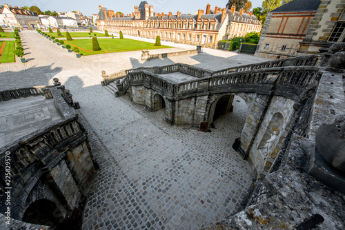 Foto op Plexiglas Historisch geb. Staircase in Fontainebleau palace, France