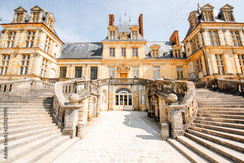 Foto  Fontainebleau with famous staircase in France