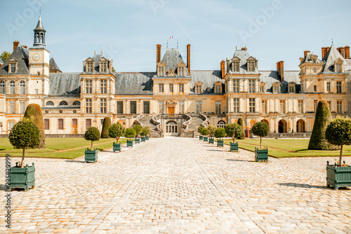 Foto op Plexiglas Historisch geb. Fontainebleau with famous staircase in France