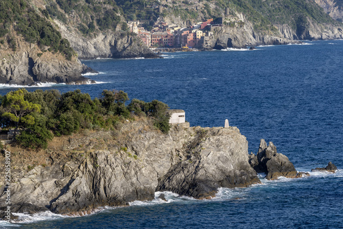 Photo  The wonderful village of the Cinque Terre, Vernazza, seen from monterosso al Mar