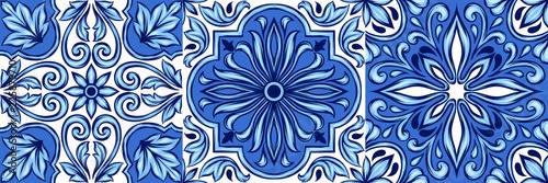 Carta da parati Portuguese azulejo ceramic tile pattern.