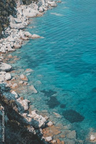 Fotografía  Klares Wasser an Stein Küste Korfu Griechenland