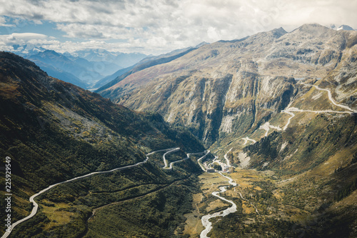 Staande foto Oceanië Mountainous panorama landscape view with big mountains in Switzerland. Autumn mood at the famous Furka Pass road. Autumn in Switzerland