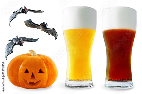 Staande foto Bier / Cider Beer list: light and dark beer with pumpkin and bats isolated