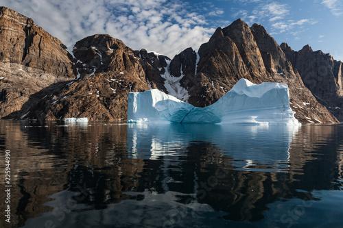 Foto op Plexiglas Arctica Arctic landscape with iceberg closeup