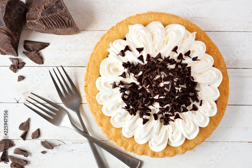 Fototapeta Delicious chocolate cream pie