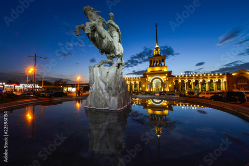 Photo sur Aluminium Commemoratif The statue of David of Sassoun in Yerevan