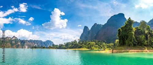 Deurstickers Asia land Cheow Lan lake in Thailand