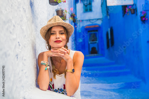 Poster Maroc cute woman traveling to morocco