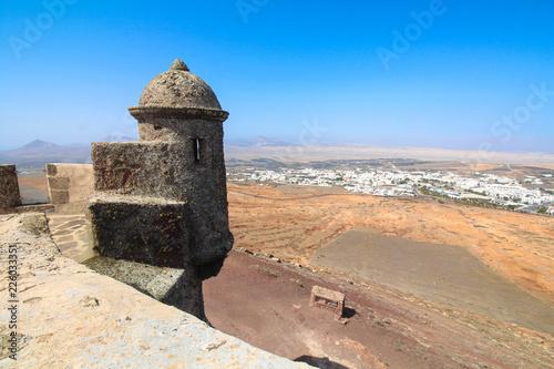 Foto op Plexiglas Historisch geb. Castillo de Santa Bárbara / Lanzarote / Canaries ( Espagne )