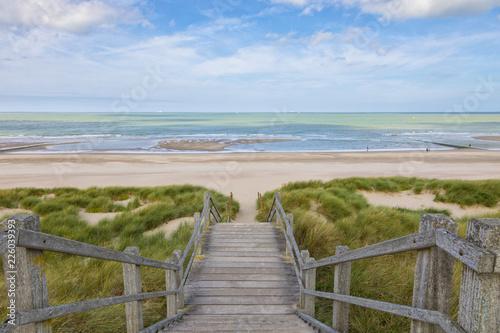 Pinturas sobre lienzo  Stairs to the North Sea beach at Blankenberge, Belgium