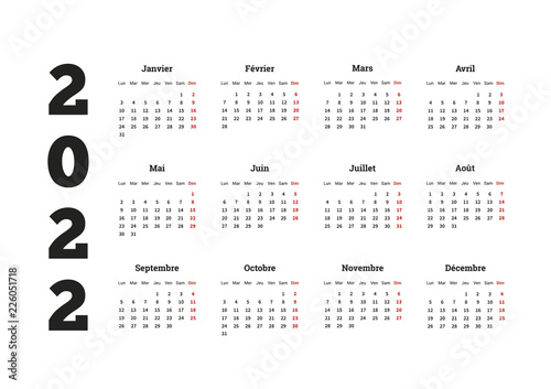 Fotografia  2022 year simple calendar on french language, isolated on white