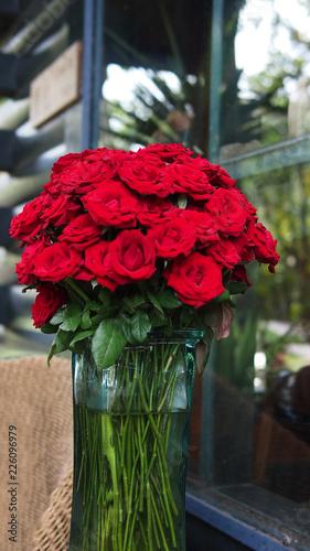 Foto op Canvas Bloemen Red roses banquet in vase