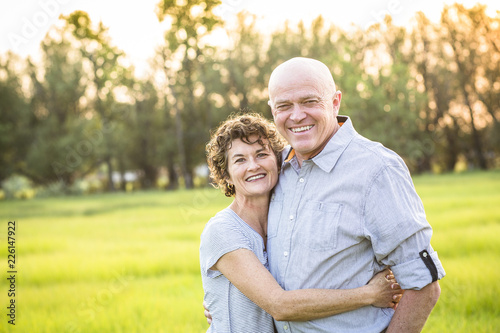 Fotografía Attractive Smiling Mature couple portrait outdoors